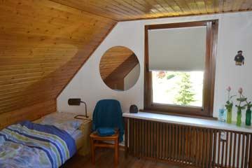 Einzelzimmer mit zusätzlicher Schlafcouch