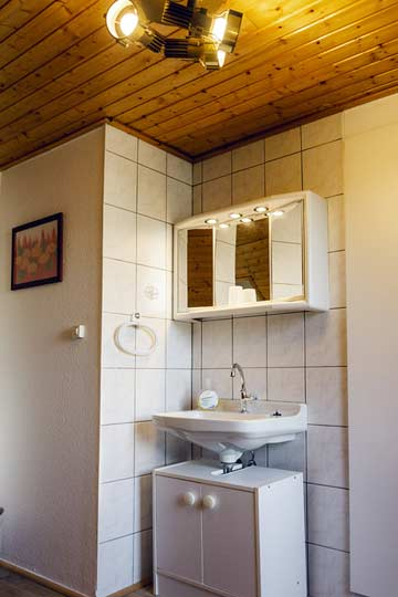 Waschbecken im 2-Bett-Zimmer