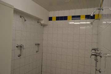 einer der beiden Duschräume