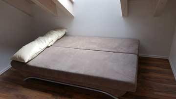 Schlafsofa im Schlafzimmer DG