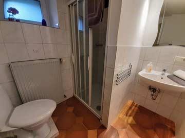 Badezimmer im EG im Haupthaus