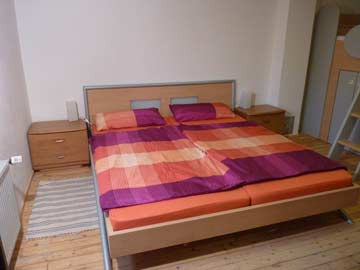 erstes 3-Bett-Zimmer im Haupthaus