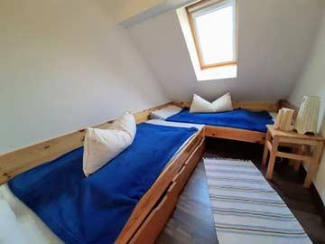 das 2-Bett-Zimmer in der Mansarde