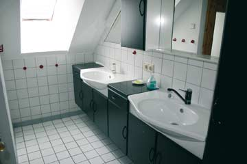 Badezimmer mit 2 Waschtischen