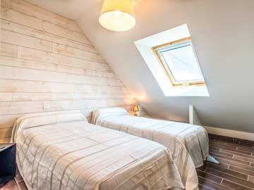 2. Schlafzimmer - 2 Einzelbetten