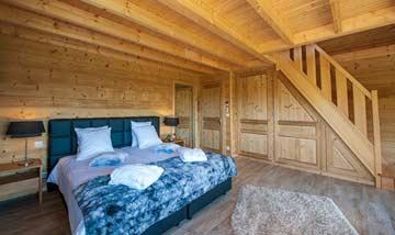 großes 4-Bett-Zimmer mit Doppelbett auf der unteren Etage...
