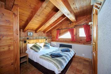 Schlafzimmer 1, DG