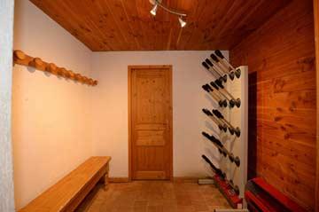 Skischuhtrockner im Eingangsbereich