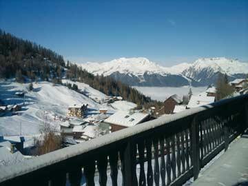 Aussicht vom Balkon in Richtung Tal der Tarentaise