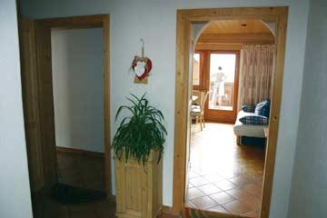 der gemeinsame Vorraum der beiden direkt nebeneinander liegenden Ferienwohnungen