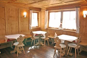 Ferienhaus Seiser Alm - der schöne Speise- und Aufenthaltsraum für die ganze Gruppe