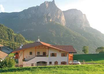 Ferienhaus Seiser Alm - oberhalb von Kastelruth im Sommer
