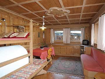 Ferienhaus für Familiengruppen in Luttach - die gemütliche Bauernstube