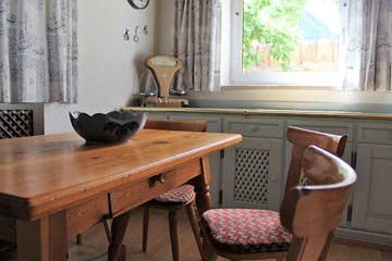 weiterer Esstisch in der Küche