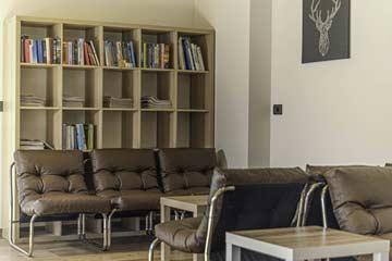 Loungebereich im Speise- und Aufenthaltsraum