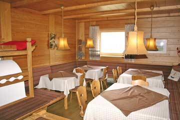 Ferienhaus Brixen - der gemütliche Speise- und Aufenthaltsraum