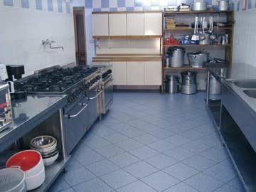 Gruppenhaus Luttach - sehr gut ausgestattete Gruppenküche