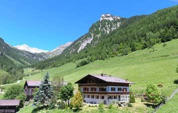 Gruppenhaus Luttach - herrliche Lage über dem Ahrntal
