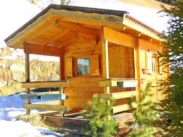 die kleine, weitere Blockhütte für 2 Personen