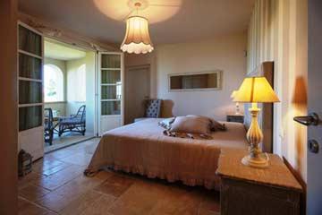 Schlafzimmer mit Veranda