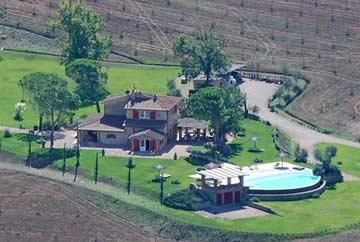 Toskanisches Ferienhaus mit Pool, Whirlpool und Kaminen für 18 Personen
