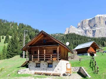 Die Hütte Sella Ronda im Sommer