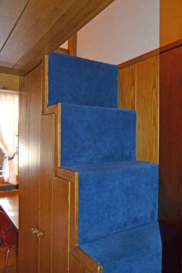 Zugang im Schlafzimmer 3 zur Galerie darüber mit 1 Bett
