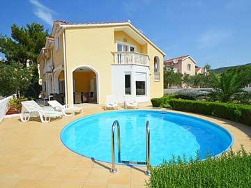 Ferienhaus Tribunj - 5 Schlafzimmer, Pool, 400 m zum Strand