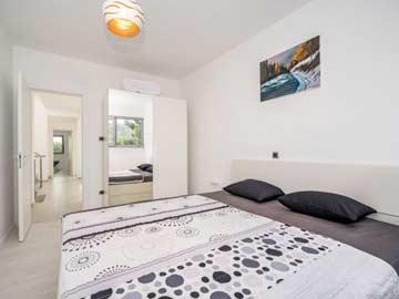 Schlafzimmer 3 - Doppelbett mit DU/ WC