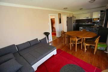 Gemütliche Couch im Wohnbereich