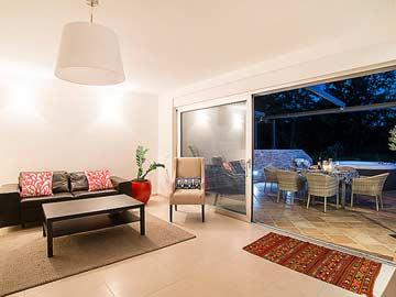 Zugang zur Terrasse vom Wohn-/ Esszimmer