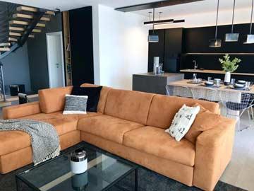 Sofa und Blick Richtung Küche