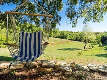 Relaxschaukel im Garten