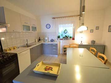 Größere Küche