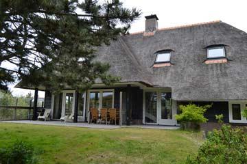 Hochwertiges Ferienhaus Ameland mit Sauna und 5 Schlafzimmern