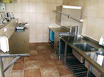 Spülküche mit Gastro-Spülmaschine