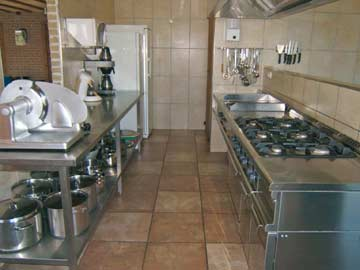 komplett ausgestattete Gruppenküche