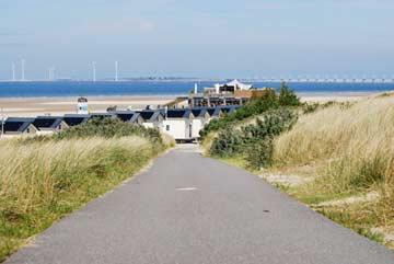Weg zu den Ferienhäusern und zum Strand