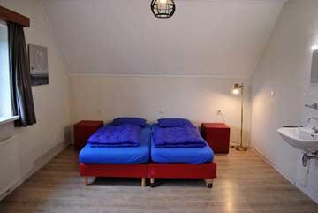 2-Bett-Zimmer mit fl. Wasser