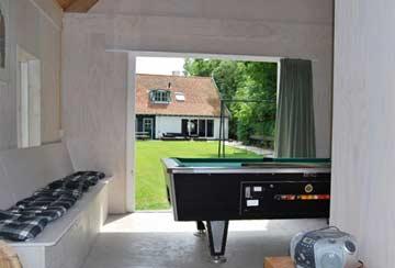 Gartenhaus mit Billardtisch