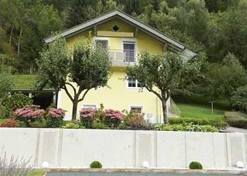 schön angelegter Garten am Ferienhaus