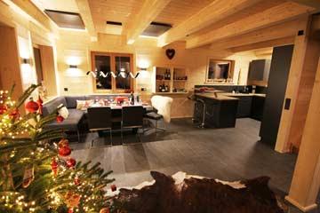 Weihnachtliche Stimmung im Wohn- und Speisezimmer
