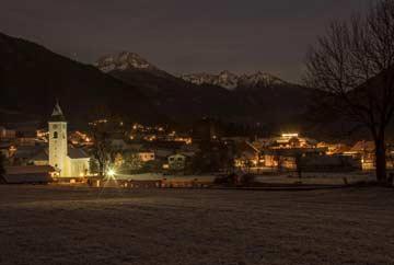 Der Winter kommt: Flattach an einem kalten Spätherbstabend