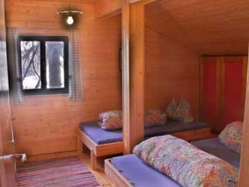3-Bett-Zimmer im OG mit Doppel- und Einzelbett
