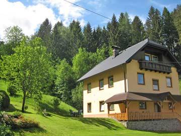 Ferienhaus mit zwei Ferienwohnungen in Hermagor