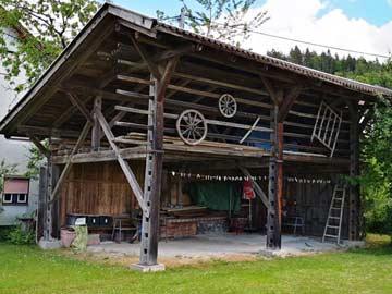 Grillhütte und Carport