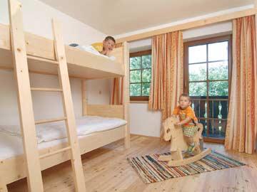 2-Bett-Zimmer mit Etagenbett im OG