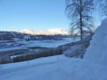 Aussicht auf das Gailtal im Winter
