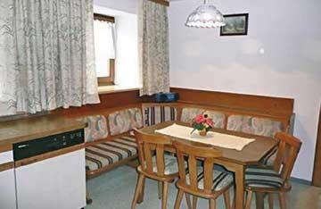Ferienhaus Leogang - Eckbank in der Küche