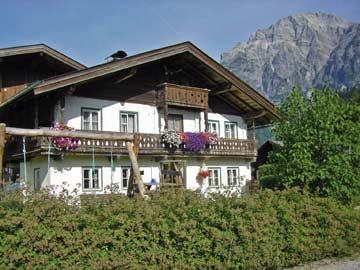 Ferienhaus in Leogang - Sommeraufnahme